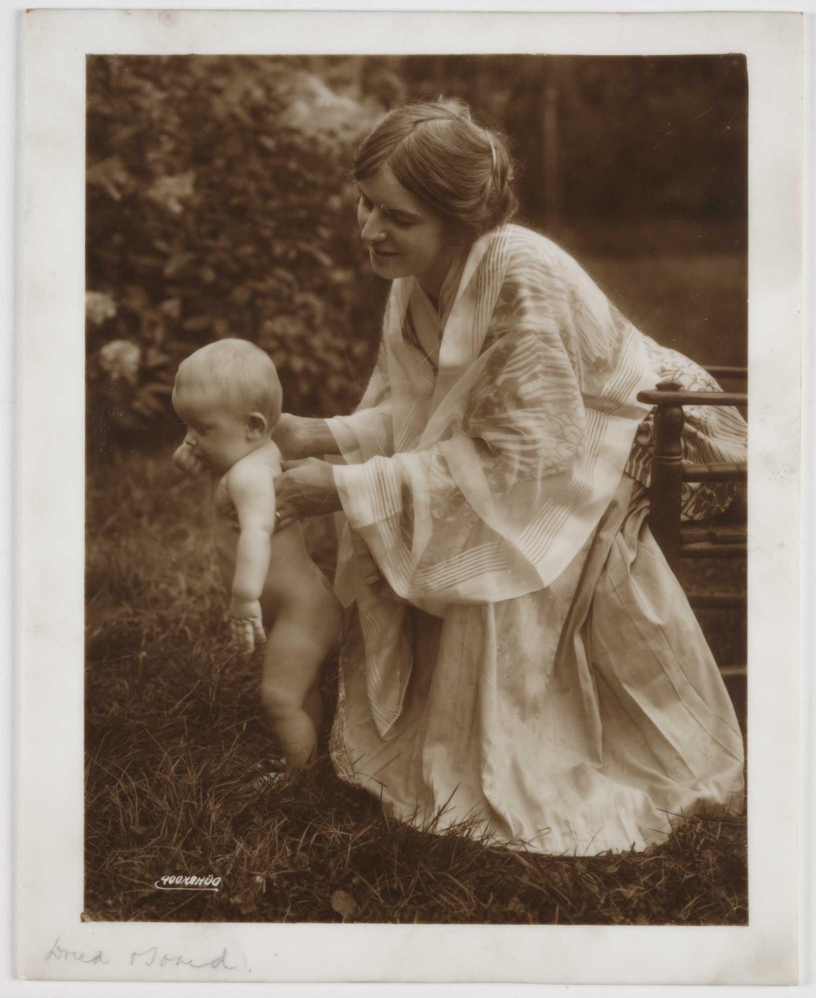 Старые фото детей с мамами