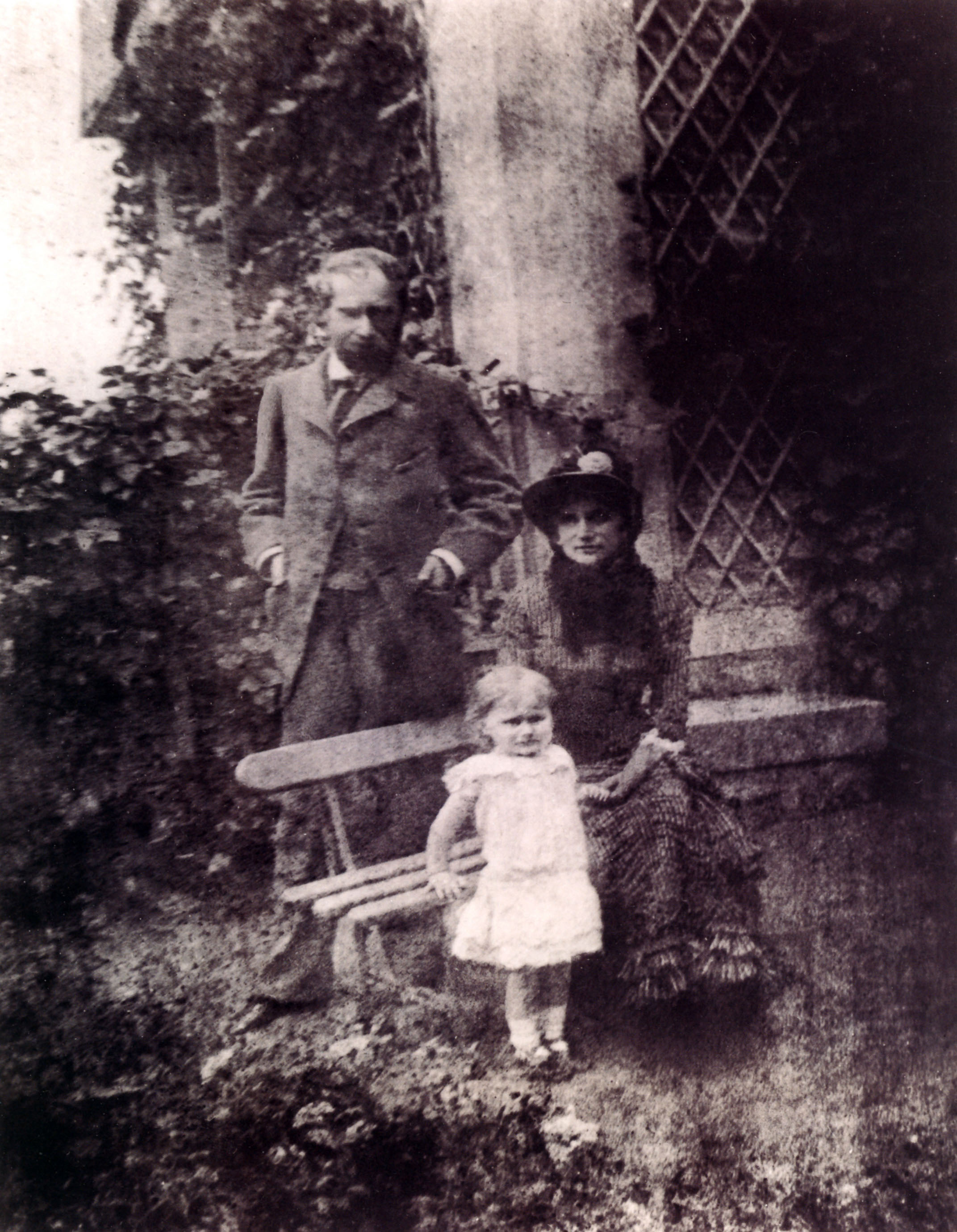 Eugène Manet, Berthe Morisot & their daughter Julie Manet ...